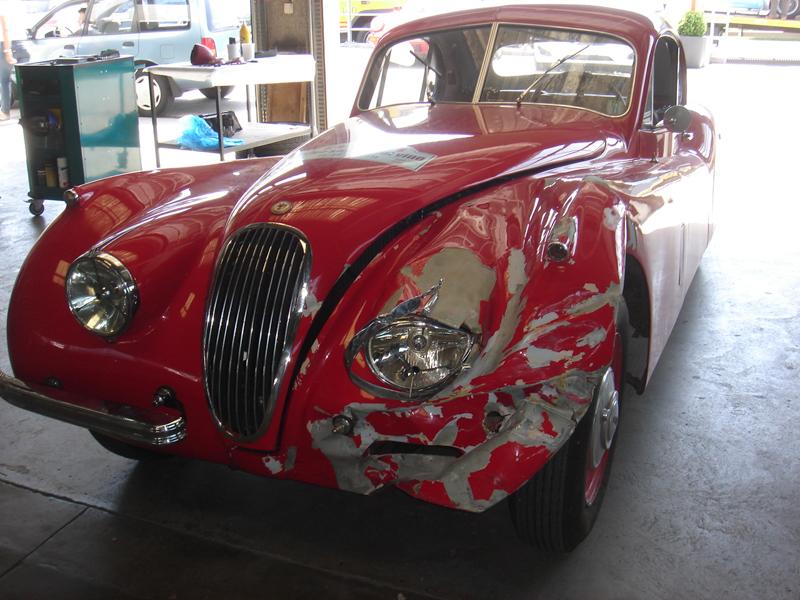 Jaguar_XK_120_unfallschaden-01