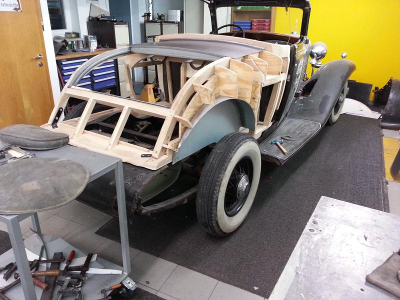 Cadillac_LaSalle_1932-05