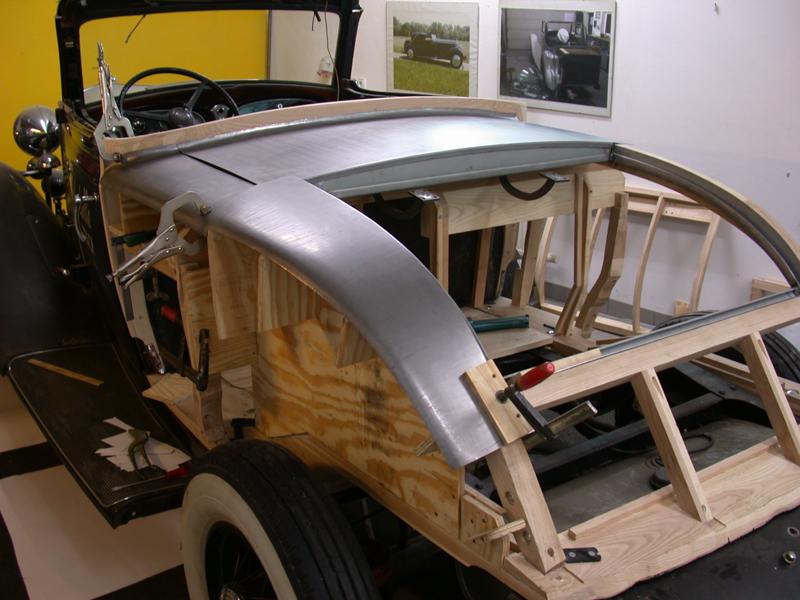 Cadillac_LaSalle_1932-06