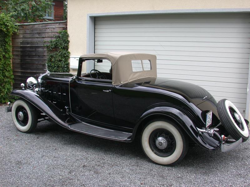 Cadillac_LaSalle_1932-11